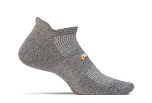 Feetures! High Performance Light Cushion No Show Tab Socks