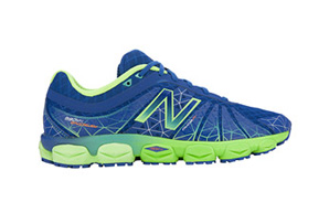 New Balance 890v4 Shoes - Mens