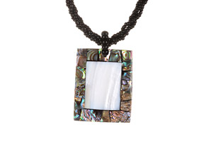 Ocean Exotics 'Love Pearl' Necklace (square)