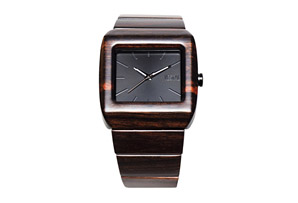 Vestal Muir Wood Watch
