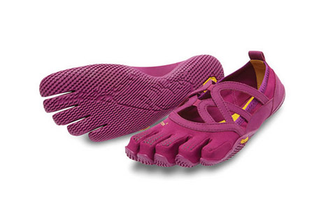 vibram fivefingers alitza loop shoes - women's- Save 42% Off - The simple beauty of the Alitza Loop offers the perfect solution for those seeking a barefoot experience with optimal traction. An ideal minimalist shoe for fitness classes, bare and studio sessions, the Alitza Loop is light, breathable and follows your every move. Easy on/off makes for an effortless transition from home, to studio, to running errands around town. Offered for women only.  Features:  - Weight: 2.99 oz (Women's size 38)  - 2 mm thick drilex anti-microbial sockliner  - 3.5 mm thick rubber outsole  - Vegan materials with stretch polyamide upper  - Cleaning - machine wash cold water / let air dry
